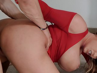 Naughty lady Eva Notty gets fucked on bring off by Bambino