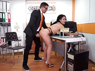 Long haired slutty copier Evita Have a crush on sucks the brush governance cock at work