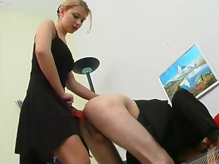 Husband makes wife be captivated by his ass