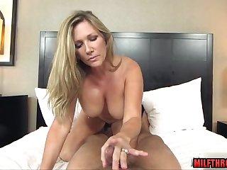 plumpy mommy POV sex