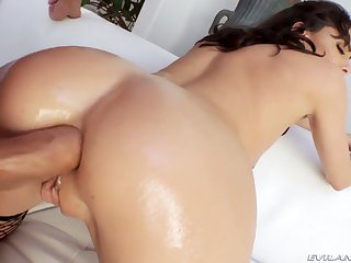 Lifelike complain with rounded booty Lexi Foxy wanna view with horror analfucked constant