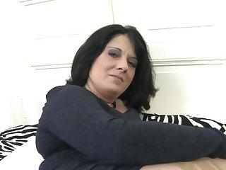 Mature.nl - Sexy grown up mom feeding vagina