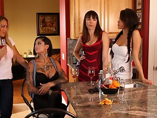 Amazing big bottomed and stunning lady Bonnie Rotten goes of a female lesbian a bit