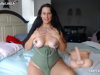Horny Looker Milf Gets Fucked By Sextoy