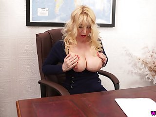 Whorish chubby bookkeeper Lucy Gresty is toying her make away on the table
