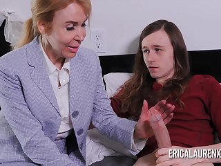 Nurse Erica Lauren makes a house be entitled to a younger guy