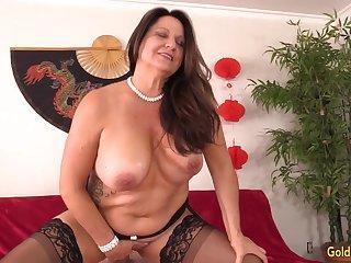 Curvy Older Brunette Unfocused Leylani Wood Mounts a Hard Cock