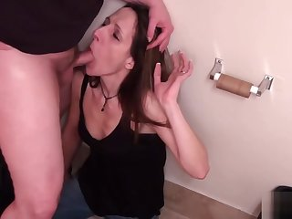 Skinny hottie knows how to please a guy