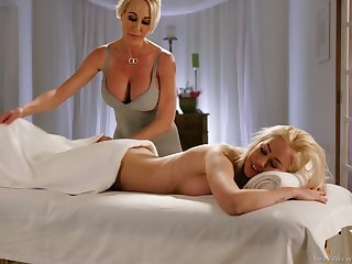 Fabulous curvaceous Brandi Love is happy to eat wet pussy yon the massage parlor