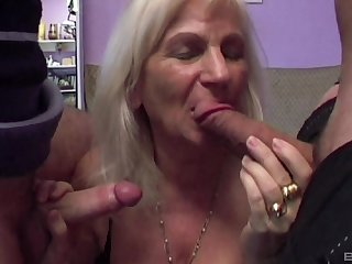 Carbon copy profoundness can please voluptuous desires be advisable for horny milf Lizzy