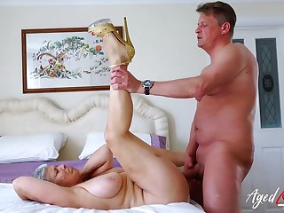 Ancient lady spreads her legs for his dick on every side her cunt