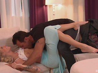 Premium couch pleasures of Jessa Rhodes in rough XXX