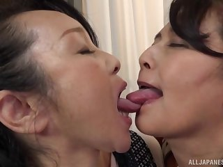 Chubby Japanese masture gets say no to pussy fingered by a lesbian lady