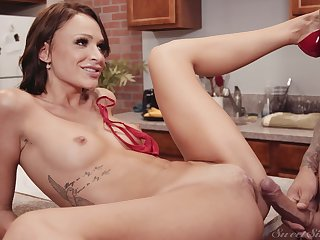 Small tits pornstar Emma Hix spreads say no to legs on the kitchen table