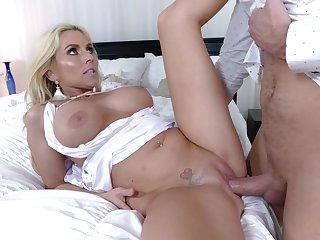 Young lad would kill to other than fuck her in the irritant