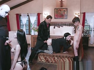 Costumed stepfamily group suck and fuck