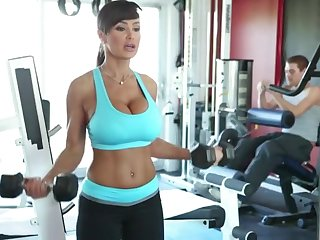 Lisa Ann Exercises - busty MILF pornstar has workout with cock