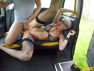 Slutty alt girl Tanya Virago sucks and fucks cabbie's gigantic bushwa