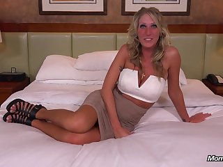 Gorgeous mature came to the casting to fuck as A debauched