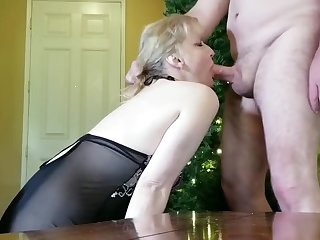 Tow-headed Mature gets Face Fucking with Facial