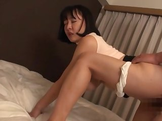 Sexual delight with the curvy botheration Japanese mom