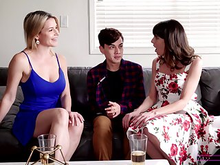 Stepmom and her XXX band together help 19 yo dude nigh overcome premature ejaculation