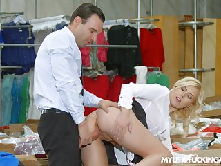 Charming blonde MILF with totally sexy booty Summer Day loves riding cock