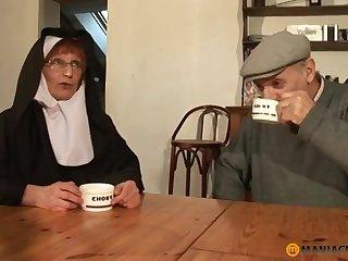 Papy Voyeur Old Nun Zoranal Double Penetration Nonne B - mommy