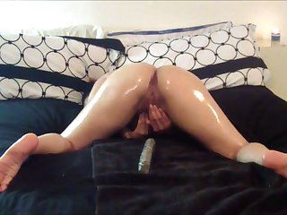 Naughty webcam carve oils be on the take some hot solo play