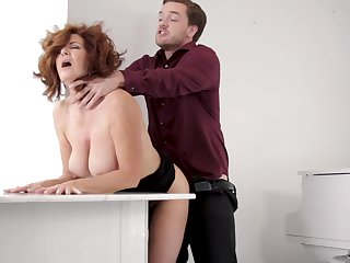 A decree plump but super hot MILF Andi James is ready be useful to some oral petting