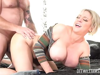Dee Williams is a big titted, blonde woman who wants to date be hung up on in the late afternoon