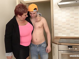 Bossy mature bimbo is having sex fun close to handsome rent boy
