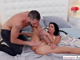 Safety Cock be proper of Spooked MILF Veronica Avluv